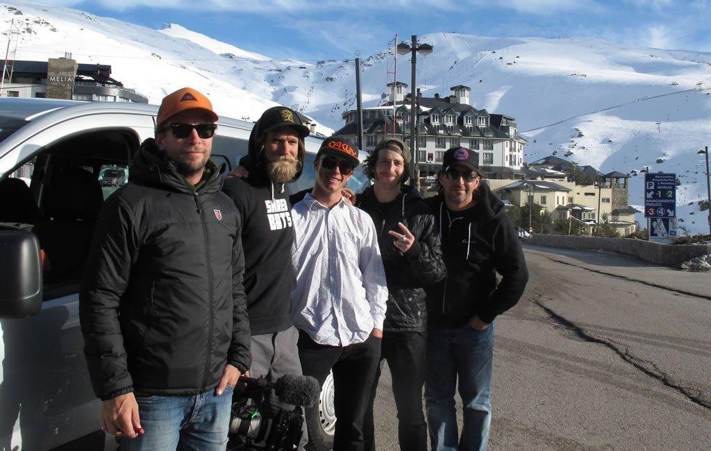 MTV Canada y el snowboarder Craig McMorris (centro)